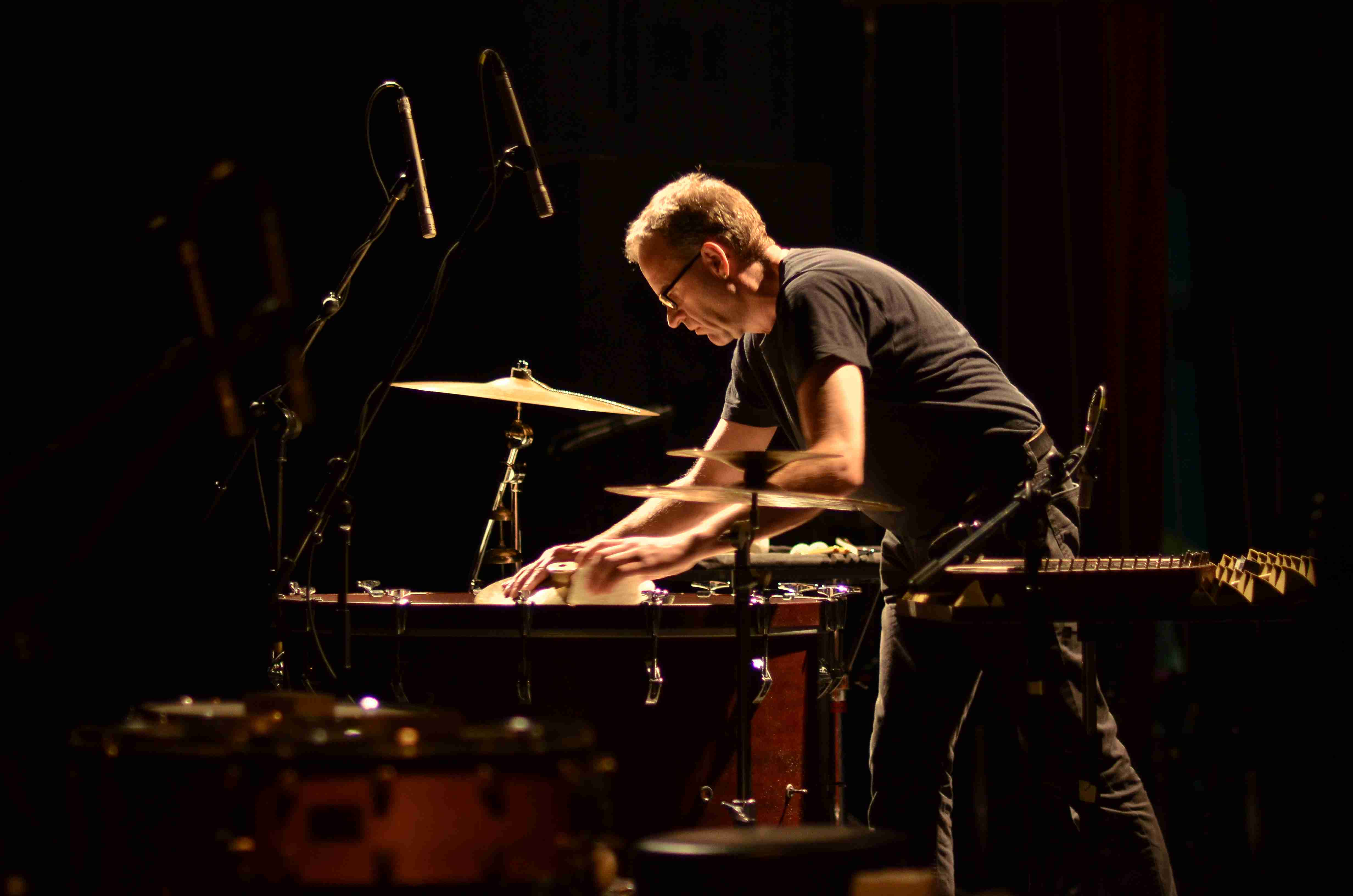 Burkhard Beins Solo in Hanoi